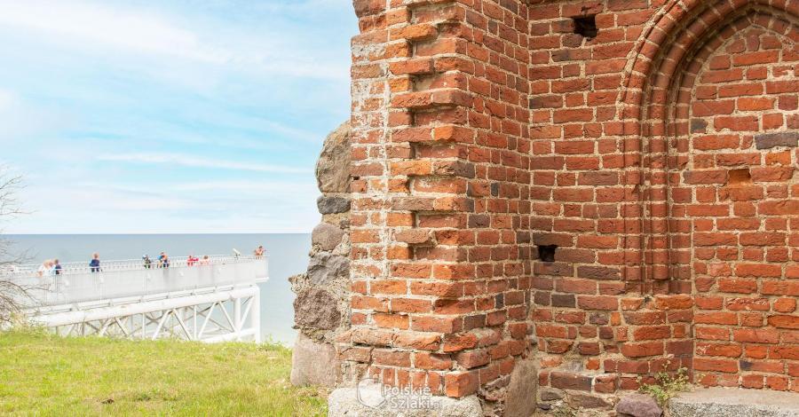 Ruiny kościoła w Trzęsaczu - zdjęcie