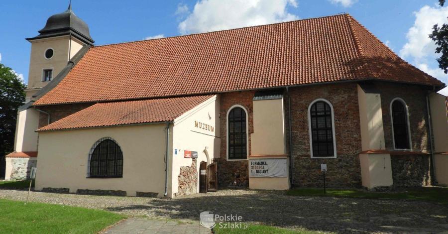 Dawny kościół ewangelicki w Olsztynku - zdjęcie