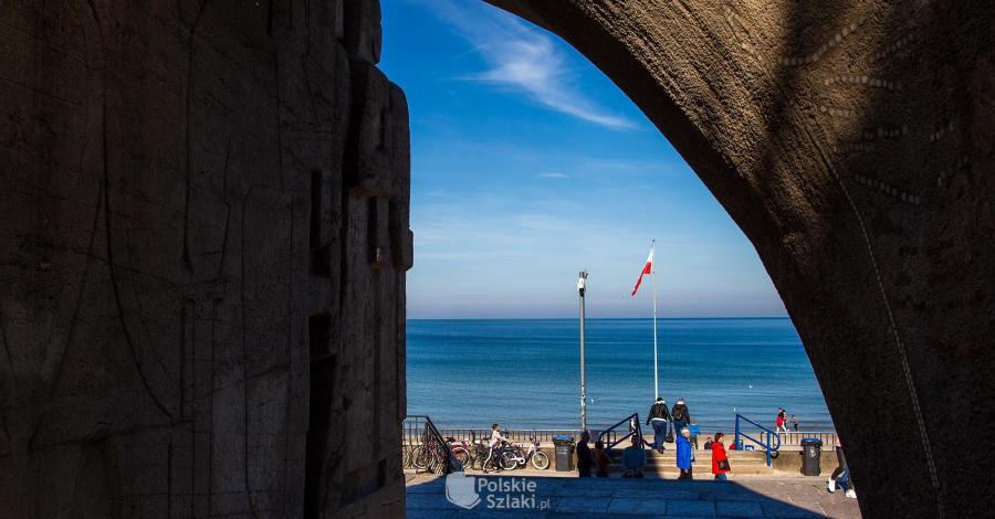 Pomnik Zaślubin Polski z morzem w Kołobrzegu - zdjęcie
