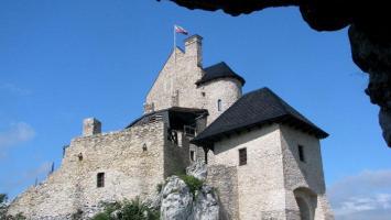 Bobolice Mirów Siewierz - Jura powstaje z ruin - zdjęcie