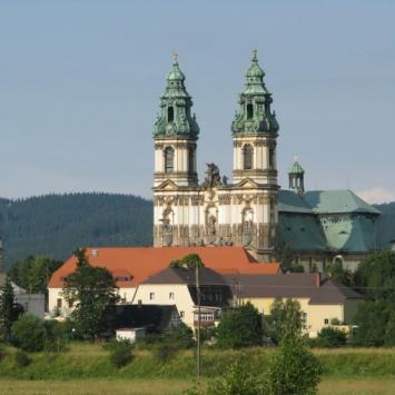 KRZESZÓW - główne sanktuarium maryjne diecezji legnickiej.