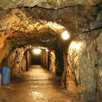 Podziemna trasa turystyczna w kompleksie - Rzeczka