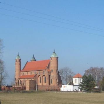 Brochów- kościół obronny