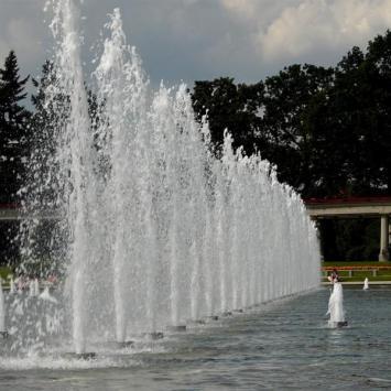 Wroclawska fontanna multimedialna - zdjęcie