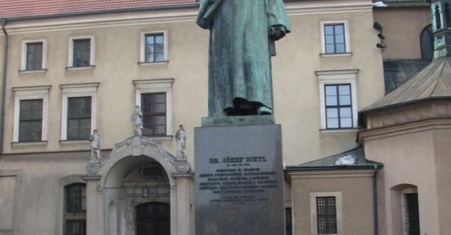 Bazylika św. Franciszka z Asyżu i klasztor franciszkanów w Krakowie. - zdjęcie