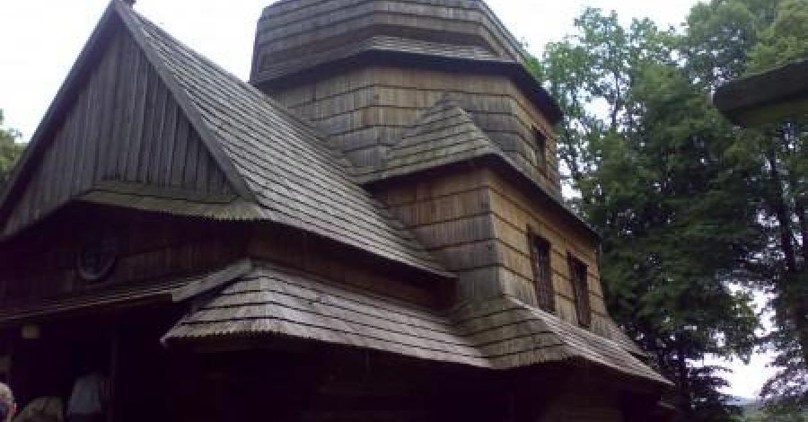 Szlakiem architektury drewnianej - cerkwie w Bieszczadach - zdjęcie