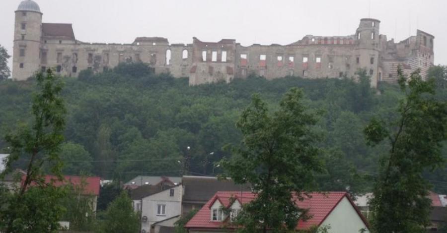 Janowiec miasteczko nad Wisłą. - zdjęcie
