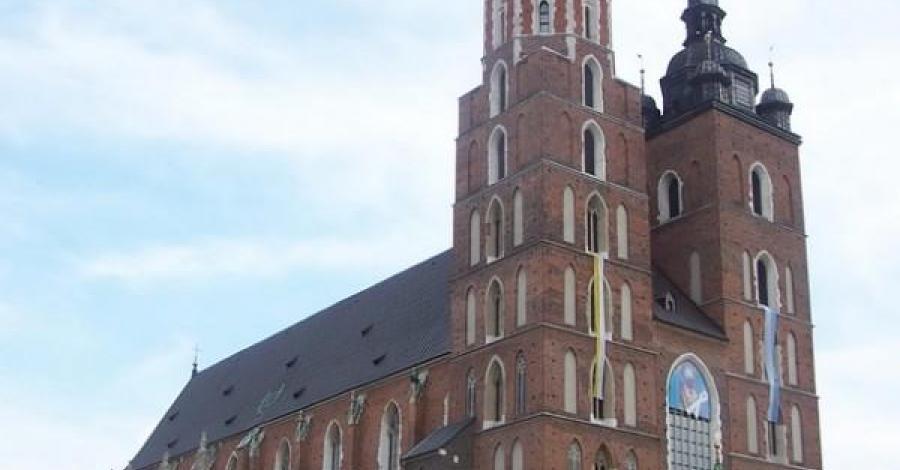wieża hejnałowa Kościoła Mariackiego w Krakowie - zdjęcie