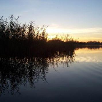 Jezioro Łoniewskie w Osiecznej - zdjęcie