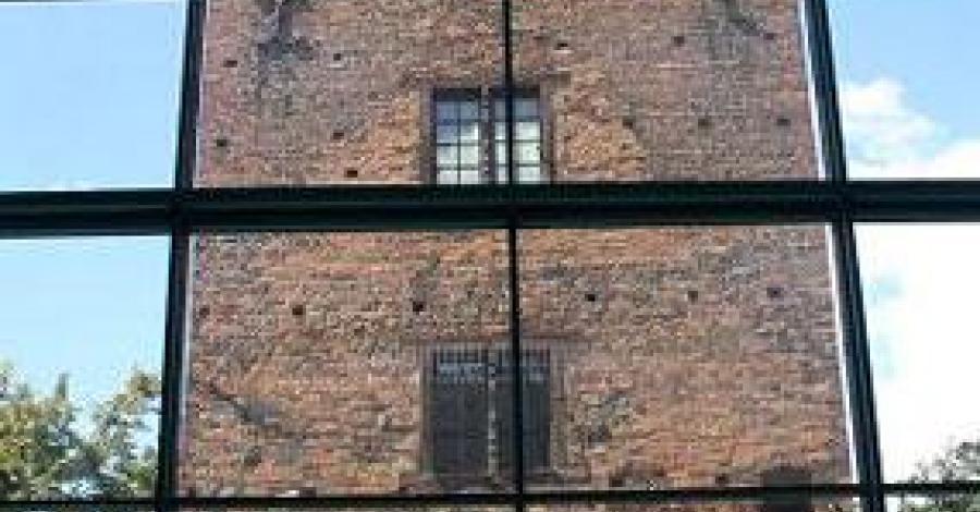 Wieża gotycka w Szczecinku - zdjęcie