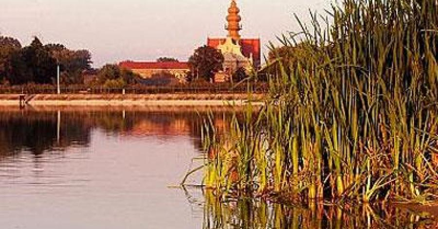 Koprzywnica - kościół znad zalewu Koprzywianka, Anna Piernikarczyk