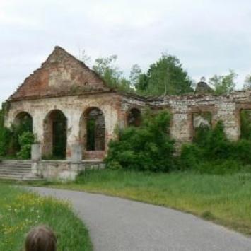 Pałac w Porębie Żegoty
