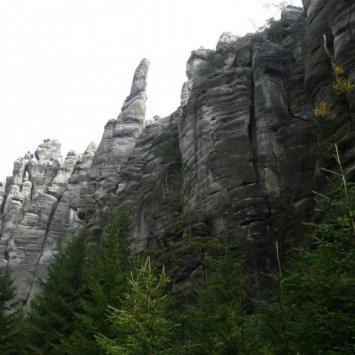 Bogactwo form w Teplickich Skałach - zdjęcie
