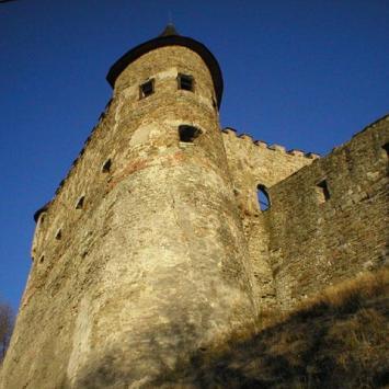 Sokolniczy Zamek Lubowla - zdjęcie