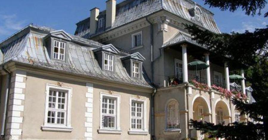 Pałac w Płazie - zdjęcie