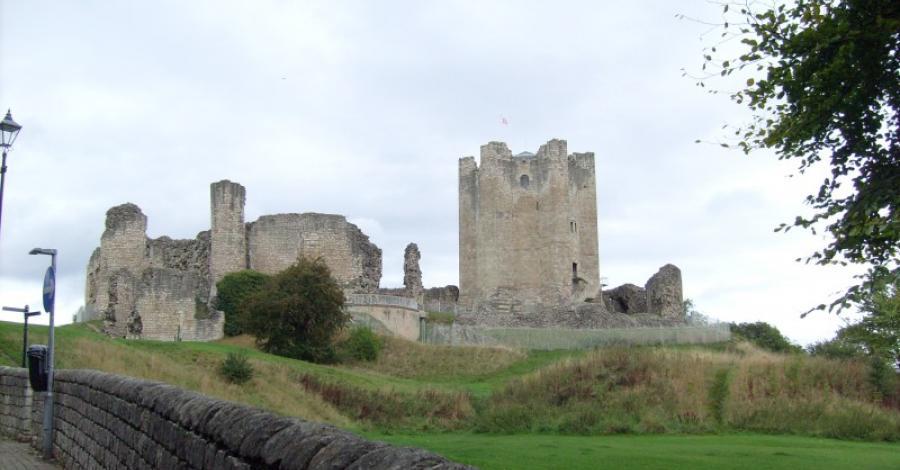 Zamek w Conisbrough - zdjęcie