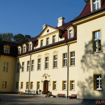 Pałac w Izbicku