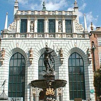 Gdańsk- Dwór Artusa, pomnik Neptuna