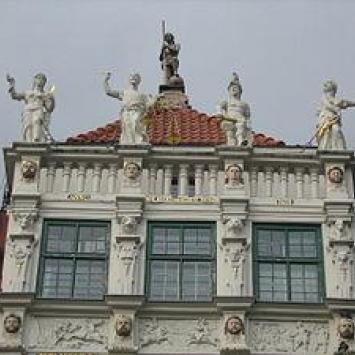 Gdańsk - Złota kamienica (posągi)
