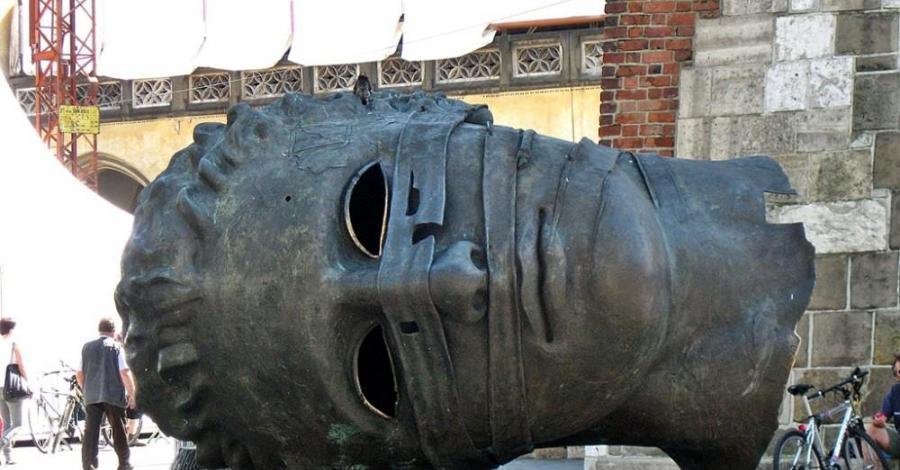 Głowa na Rynku w Krakowie, Magdalena