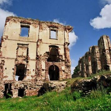 Bodzentyn - ruiny zamku biskupów krakowskich ... - zdjęcie