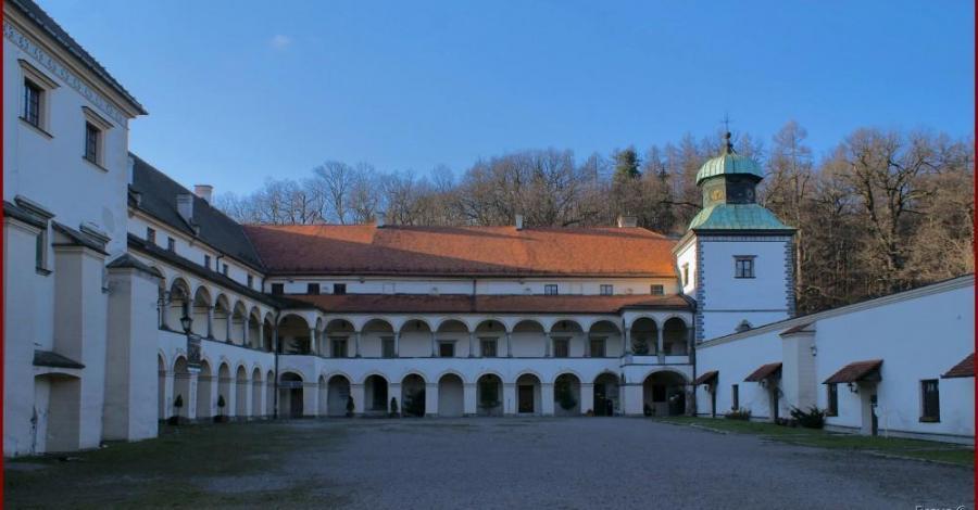 Mały Wawel w Suchej Beskidzkiej - zdjęcie
