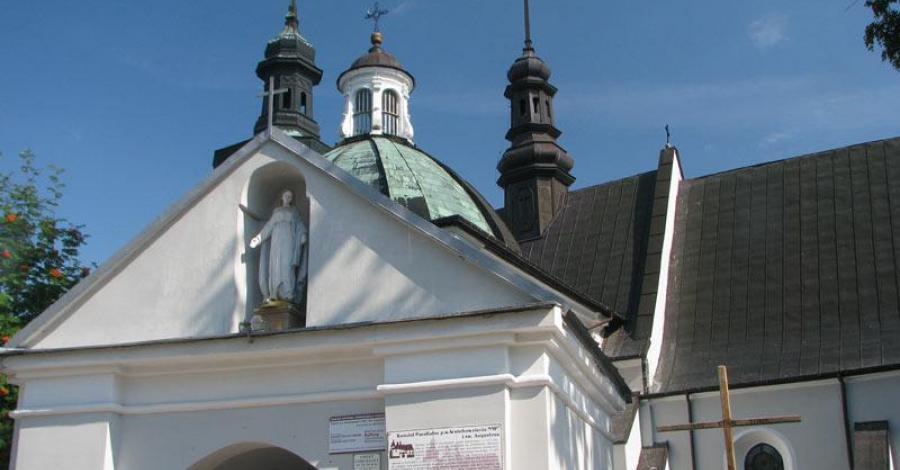 Kościół w Kurozwękach - zdjęcie
