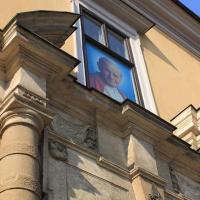 Okno Papieskie ul. Franciszkańska w Krakowie