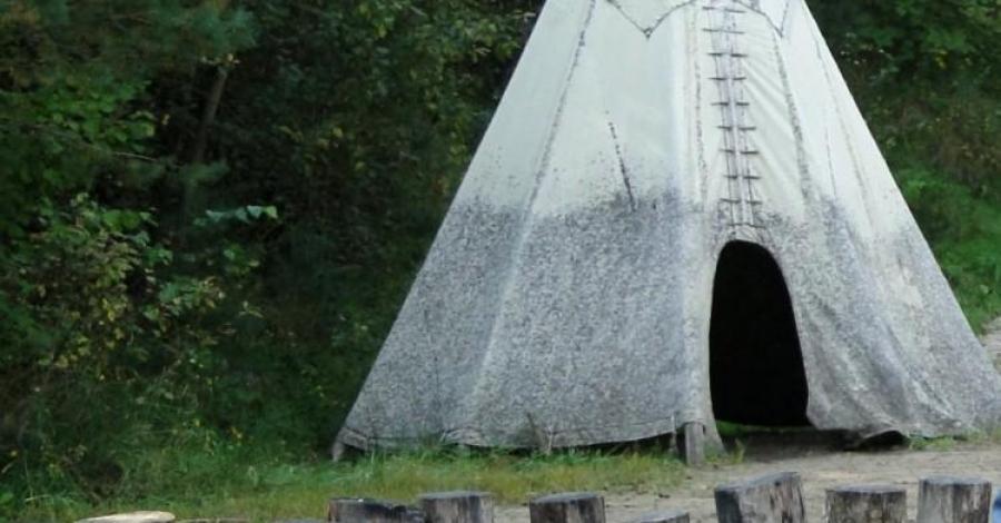 Wioska Indiańska w Żelistrzewie - zdjęcie