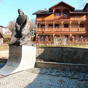 Pomnik Sienkiewicza w Szczawnicy