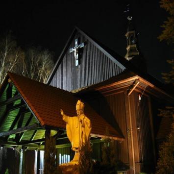 Kościół w Chludowie, Anna Piernikarczyk