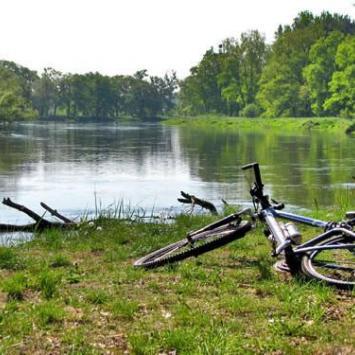 Z rowerem pośród jezior - zdjęcie