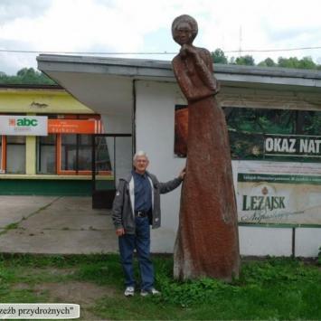 """O """"Damazówce i rzeźbach przydrożnych – Bóbrka - zdjęcie"""