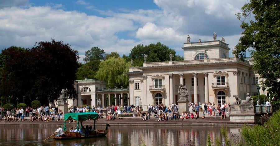 Pałac na Wodzie w Łazienkach Królewskich w Warszawie - zdjęcie