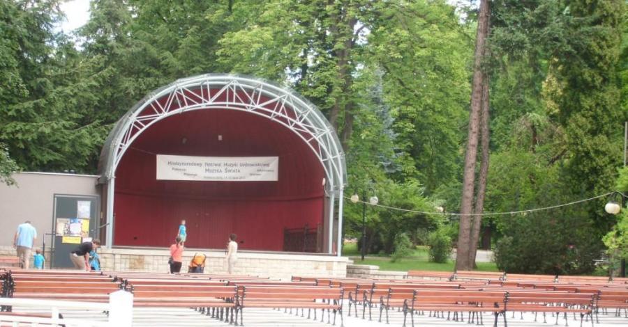 Muszla koncertowa w Polanicy Zdroju - zdjęcie