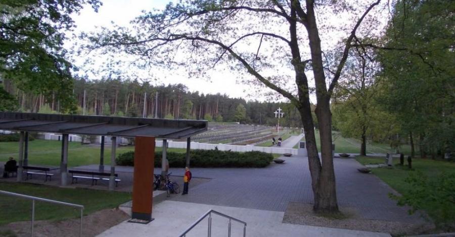 Palmiry muzeum miejsce pamięci - zdjęcie