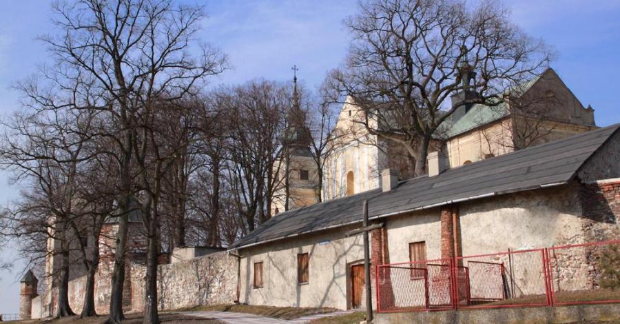 Klasztor w Mstowie - zdjęcie