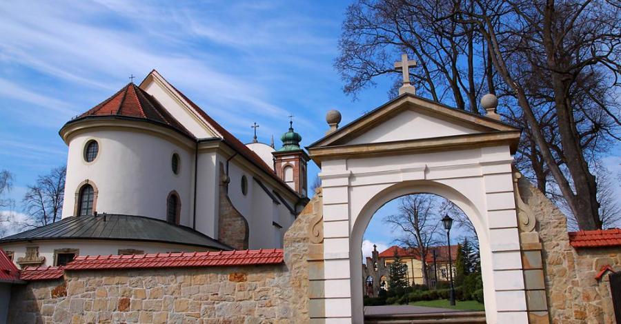 Kościół w Nowym Wiśniczu - zdjęcie