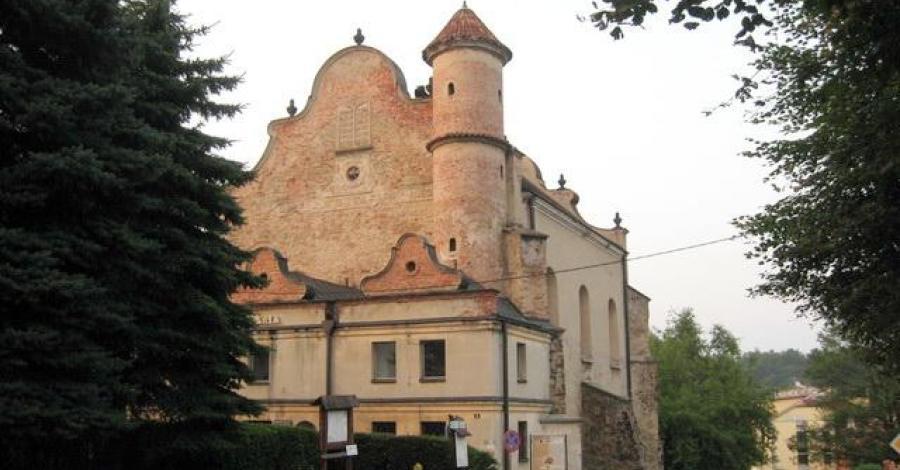 Synagoga w Lesku - zdjęcie