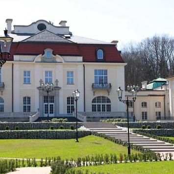 Pałac Goetzów w Brzesku - zdjęcie