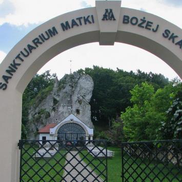 Sanktuaruim MB Skałkowej w Podzamczu