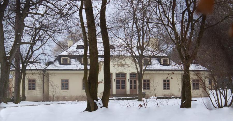Dwór w Karniowicach - zdjęcie