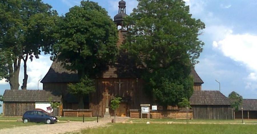 Kościół Na Pólku w Bralinie - zdjęcie