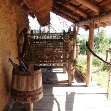 Średniowieczna Osada Huta Szklana, mokunka