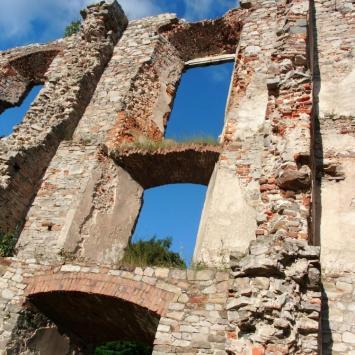 Zamek w Bodzentynie, mokunka