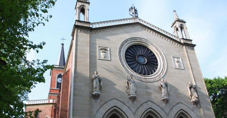 Kościół w Krzeszowicach - zdjęcie