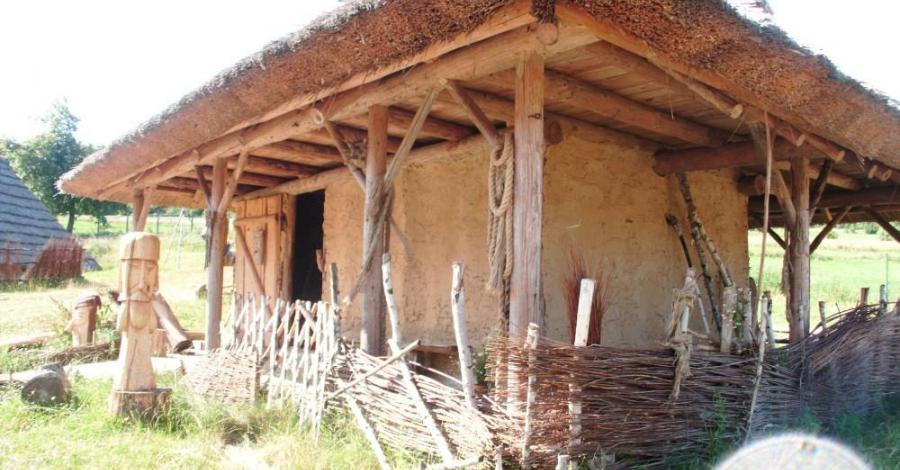 Średniowieczna Osada w Hucie Szklanej, mokunka