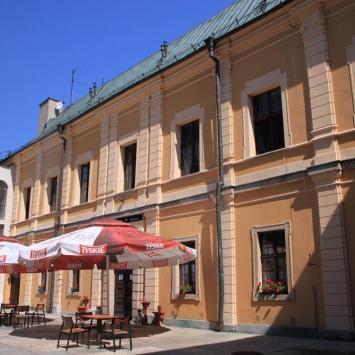 Zamek w Międzylesiu, Anna Piernikarczyk