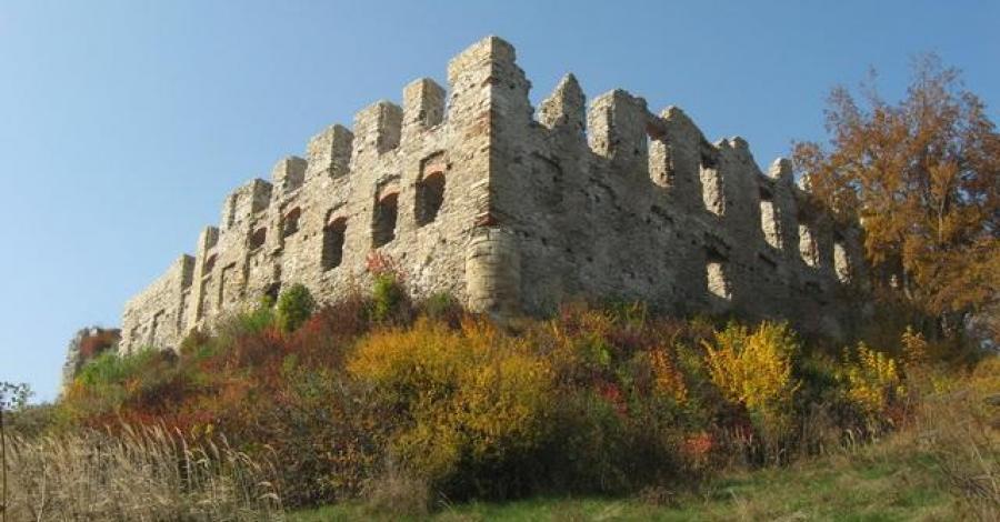 Złota Polska Jesień i trochę historii w granicach Jurajskiego Parku Narodowego - zdjęcie