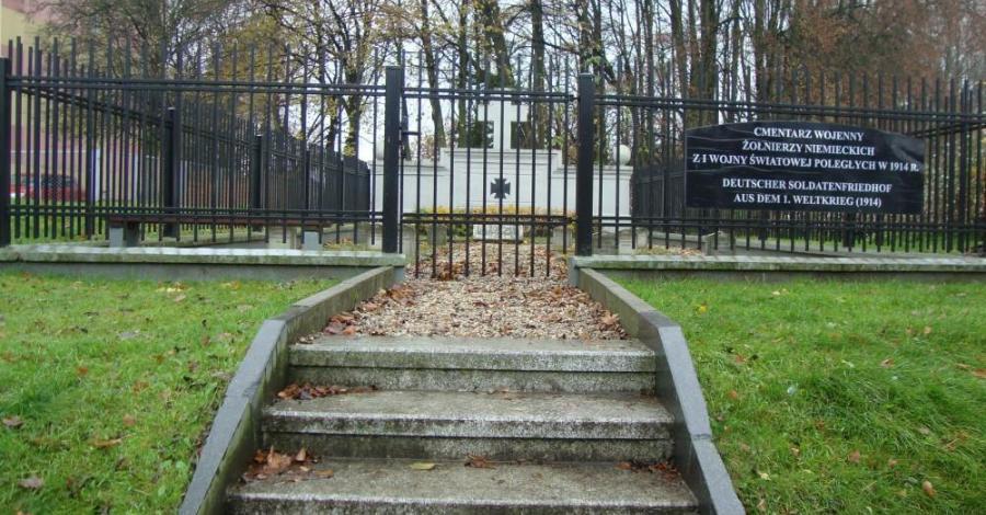 Cmentarz wojenny w Ełku - zdjęcie